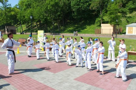 Показательные выступления на празднике Победы 9-го мая